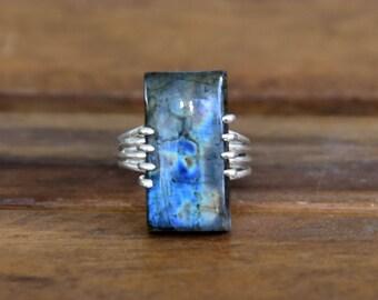 Blue Fire Labradorite Ring - Size : 7.5
