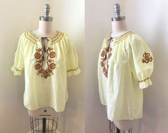 1950s Pale Yellow Hungarian Embroidered Blouse// Autumn Fall Colors// Medium/Large