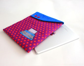Ipad case: Ipad cover - Ipad sleeve -Padded case -Retro Typerwriter