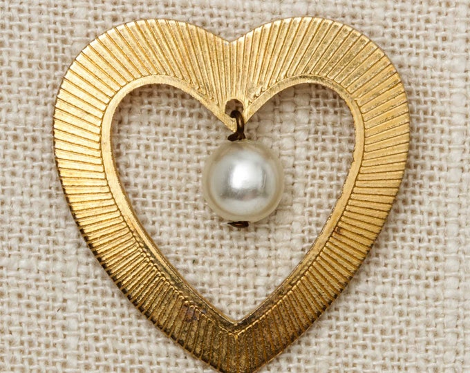 Gold Heart Brooch Vintage Dangling Pearl Broach Vtg Pin 7T