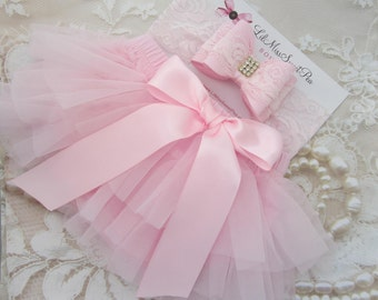 Pink Tulle Ruffle Bloomers with a Satin Bow AND/OR Lace Bow Headband, newborn photos, bebe, by Lil Miss Sweet Pea Boutique, fotografia