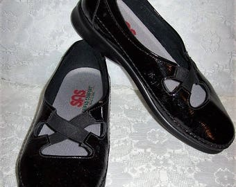 Vintage Ladies Black Patent Leather Mary Janes Shoes by SAS Size 9 Only 14 USD