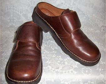 Vintage Ladies Brown Leather Slip Ons Mules Clogs by NaturalSport Size 9 Only 9 USD