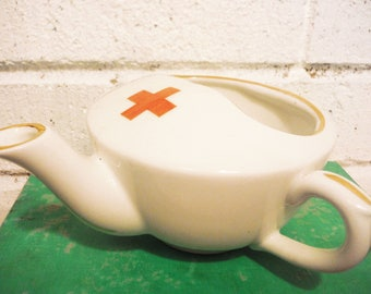 Hospital feeding cup, Invalid feeding cup,  infirmary cup, infant feeder, red cross, red cross memorabilia , medical collectible