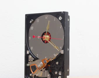 Desk clock - recycled Computer hard drive clock, HDD clock, gift for dad, unique gift for him, graduation gift - c6054