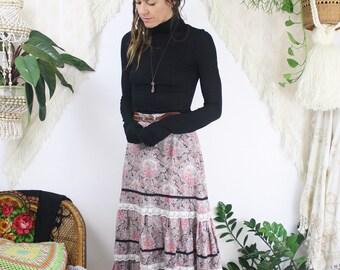 70s Prairie skirt, Vintage boho floral skirt, Gunne Sax-style Festival gypsy midi skirt, XS 3783
