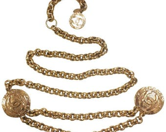 Vintage CHANEL golden nice and heavy chain belt with two large CC round motif charms. Rare and Gorgeous belt. Perfect Chanel gift
