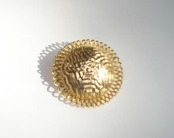 Vintage Clip On Big Round Gold Scarf Ring  -Pin less Oval Brooch Slide - Costume Jewelry Brooch 1980s