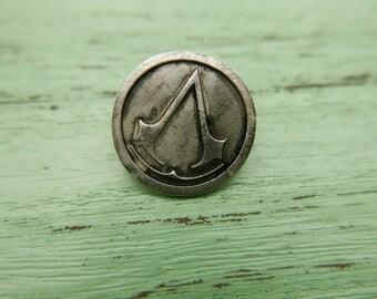 Assasins Creed Brooch pin