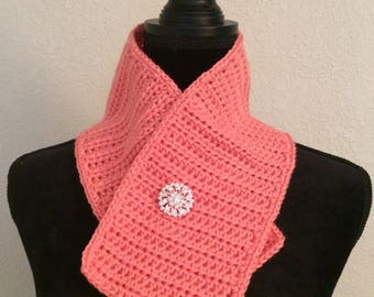 Coral Scarflette with decorative pin