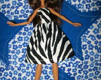 Handcrafted Dress made to fit the original Monster High Dolls   (item J21)