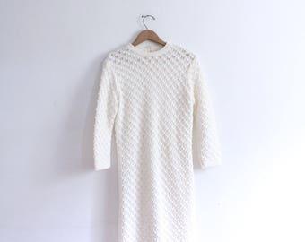 Minimal Creamy Knit 60s Midi Dress