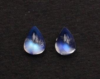 2Pcs Lot Of AAA Quality Natural Rainbow Moonstone Blue Flash Cabochon, 7x9mm Loose Gemstone GemMartUSA (RM-60019)