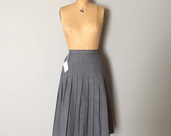 asphalt gray pleated skirt | 70s accordion schoolgirl midi skirt