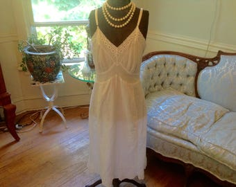 1950s Vintage Full Slip Lingerie White Cotton Eyelet Lace Detail Sz 36 by Deena
