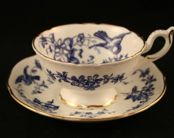 Coalport Birds Teacup & Saucer, Blue White Footed Teacup, Bone China Made in England, Gold Trim, Vintage Coalport Teacup, Blue White Bird