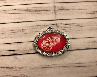 Detroit Redwings Oval Rhinestone Charm / Red Wings Pendant / NHL Team Charm / Jewelry Making Supplies