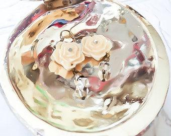 White Rose Earrings - Ivory Rose Earrings - Snow white earrings - Flower Bridal Earrings - Rose Wedding earrings - Elegant rose Earrings