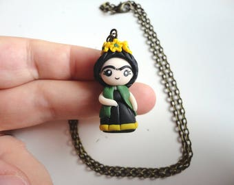 Frida Kahlo necklace in polymer clay, cameo bronze