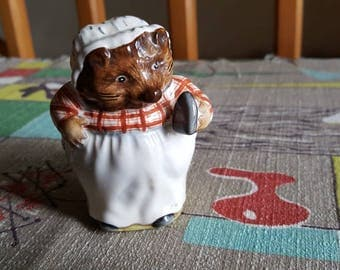 Vintage Mrs Tiggy Winkle Beatrix Potter Hedgehog Figurine by F. Warne and Co. Ltd Beswick England  C817
