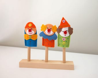 Finger puppets. Set of three finger puppets in felt. Clowns