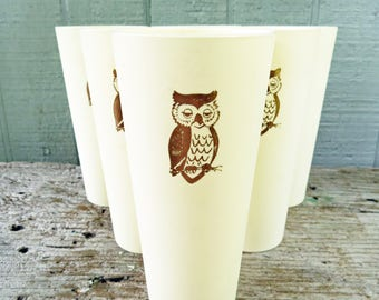 6 - Vintage Plastic Owl Tumblers, Nasco 1072, Plastic Cups Ivory Tumblers with Gold owls