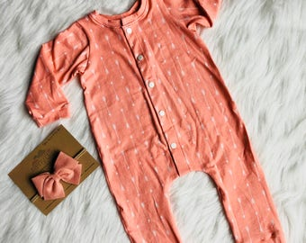 Baby Girl. 3-6 month Baby Outfit. Coming Home Outfit. Sleeper. Arrows. Coral. Headband. Bow. Set. Girly. Modern.