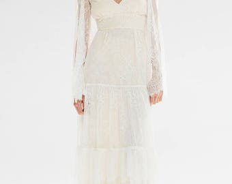 Bohemian Bell Sleeve Chantilly Lulu Wedding Dress