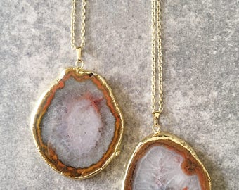 Orange Agate Slice Necklace / Agate Quartz Necklace / Agate Necklace / Orange Necklace / Agate Pendant Necklace / Agate Slice