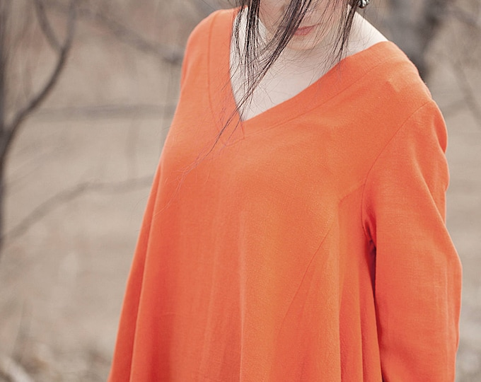 Linen tunic shirt - Spring / autumn - Flared tunic - V neck shirt - Asymmetrical tunic - Long sleeves tunic/shirt - Made to order