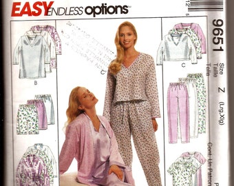 Easy Women's Pajamas Nightgown and Robe Sewing Pattern / McCalls 9651 / Size Large 16-18 and X-Large 20-22 / UNCUT