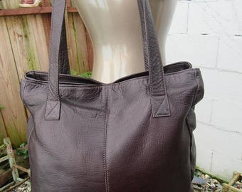 On Sale 1980s Brown Leather Satchel Bag Large Purse Large Tote Handbag Made in Colombia Hippie Boho Oiled Leather Colombian