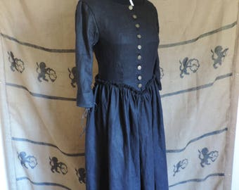 Black linen long dress, laced sleeves, laced back. Salem, pagan, witch, gothic