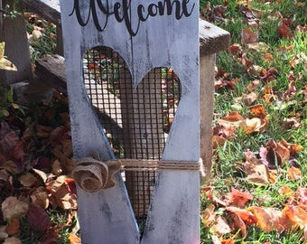 Welcome Sign with Heart