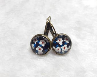 Earrings cabochon blue flowers