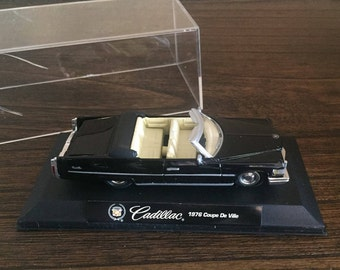 1976 Cadillac Coupe De Ville Diecast 1:43 with Plastic Collector Display Case