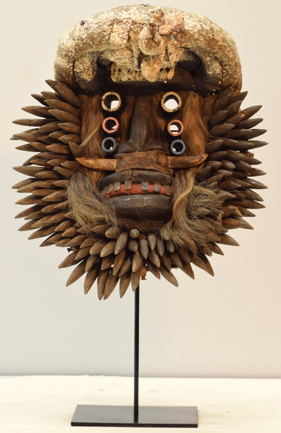 Mask African Wood Guere Cote d'Ivoire Handmade Mens Carved Wood Animal Spirit Dancing Status Mask
