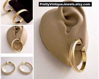 Monet Florentine Big Hoops Clip On Earrings Gold Tone Vintage Wide Wedding Band Fine Lined Comfort Paddle