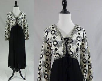 60s Maxi Dress - Black White Flowers - Long Full Rayon Skirt - Vintage 1960s - M