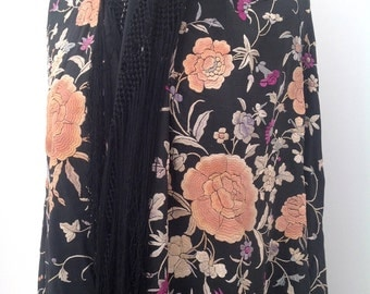 1920s Chinese embroidered piano shawl Canton silk floral vintage antique