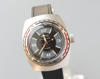 WOSTOK VOSTOK komandirskiye russian watch collectible waterproof wristwatch