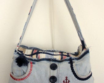 Hand bag. Upcycling. Light blue denim and embroidery.