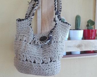 Bag made of yarn