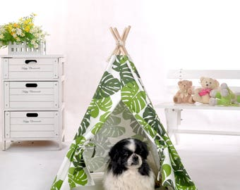 Pet teepee with padded mat