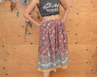 Vintage 70's Skirt Midi Length Sweet Floral Pattern In Dusty Rose SZ XS