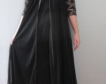 60s lingerie set - vintage black pink floral lace slip nightgown peignoir robe sheer maxi length mid century pinup romantic half sleeve tie