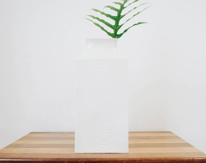 Mid Century Creamy Matte White Porcelain Thumbprint Tree Bark Vase // Sgrafo Modern