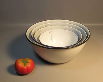 Set 4 White Graniteware Mixing Bowls w/Measurements Printed In Bowls A Rare Find
