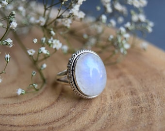 Moonstone Ring, Sterling Silver Ring, Boho Rings, Moonstone Jewelry, Gift for women, Size 6.5 ring, Handmade Ring, Gemstone Jewelry, Silver