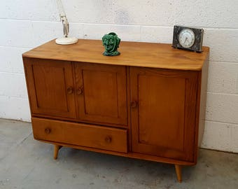 REDUCED ** Beautiful, very stylish and classic  Mid Century Ercol  Sideboard in excellent condition